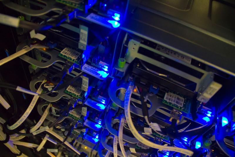 server-detail.jpg